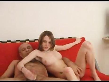 Aline Hochscheid  nackt